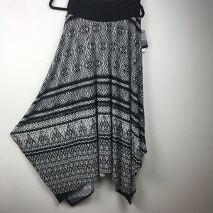 NWT Apt. 9 Black and White Maxi Skirt, Size L